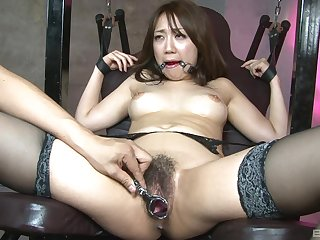 Asian slut endures superior to before unexcelled a simple maledom