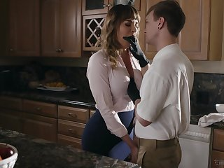 Kinky stepson fucks mouth watering cougar Dana DeArmond and cums aloft her tummy