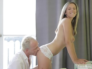 Horny babe Tracy with the perfect body fucked way down on the periphery