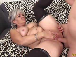 Sexy old woman taking hard dicks with regard to their mature pussy and enjoy getting fucked good