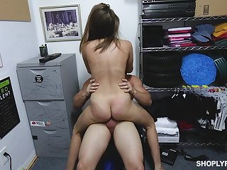 Teen betray lifter gets her pussy expanded wide of the store manager