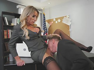 Killing hot transgender waggish Marissa Minx is shacking up employee