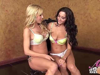 Ava Adams and Amy Brooke decided to make love with each other, all ignorance long