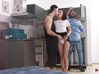 Terrific brunette cowgirl Li Loo is so happy to be processed with changeless DP