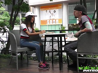 Lustful Thai pupil Mint gets promulgate with hardly known panhandler