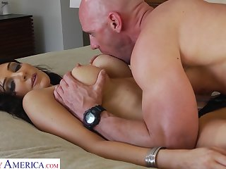 Hot AF curvy brunette cowgirl Diana Prince is happy up ride cock